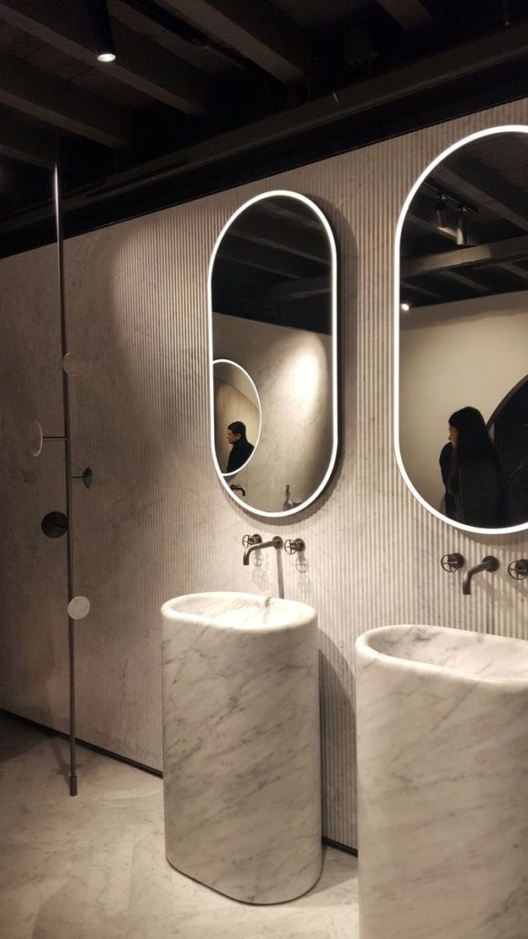Monika-White_LePatio_Miláno_Luxusní-mramorové-koupelny-579x1030 BLOG Moniky White: Designérské trendy z Milána, města s nenápadným půvabem buržoazie